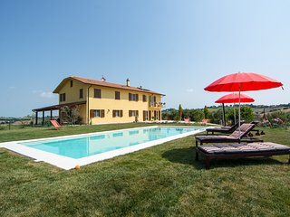 Cozy 1 bedroom Ostra Bed and Breakfast with Internet Access - Ostra vacation rentals