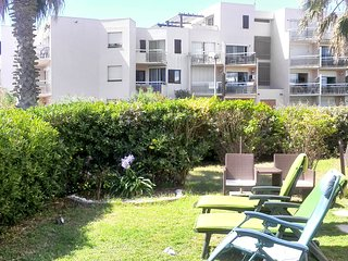 Sunny 2-bedroom apartment in Saint-Cyprien with a sea view and access to a pool - 50m to the beach! - Saint-Cyprien vacation rentals