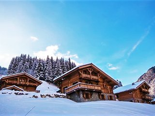 Modern, 5-bedroom chalet with spectacular mountain views and a terrace - 200m from the slopes! - Saint Jean d'Aulps vacation rentals