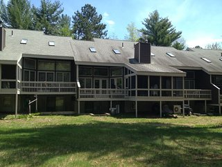 North Conway Vacation Rental with AC, 4 bedrooms and outdoor pool - North Conway vacation rentals