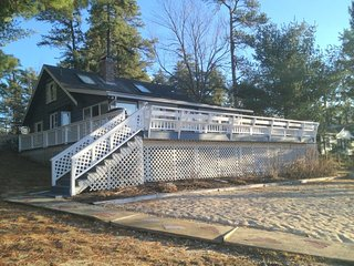 Sweet waterfront with Beach & Dock and A/C - Freedom vacation rentals