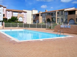 Traditional, 1-bedroom apartment  in Cape d'Agde with balcony, sea views and pool – 800 metres from beach - Cap-d'Agde vacation rentals