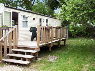 MobilHome in Pont-Aven – Quaint, 3-bedroom bungalow with a panoramic terrace and pool access - Pont-Aven vacation rentals