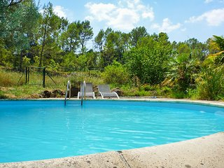 Bastide de Chantebise – a comfortable, 3-bedroom house with a swimming pool 2km from Entrecasteaux! - Entrecasteaux vacation rentals