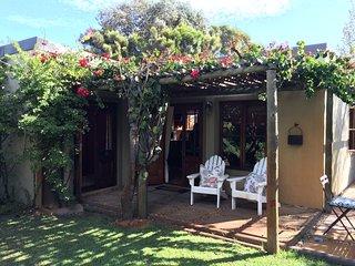 Charming Garden Cottage in the heart of Noordhoek - Noordhoek vacation rentals