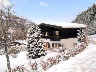 La Datcha – a cosy, 5-bedroom house in the French Alps with a furnished terrace and mountain views! - Les Contamines-Montjoie vacation rentals