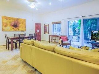 Ideal Ground Floor Condo, just steps to La Quinta Avenida and The BEACH - Riviera Maya vacation rentals
