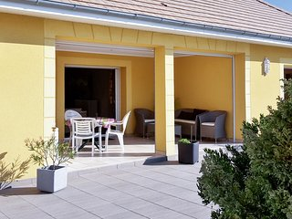 Well-appointed house in Houlgate with a garden and furnished terrace - 1 kilometre from the beach! - Houlgate vacation rentals