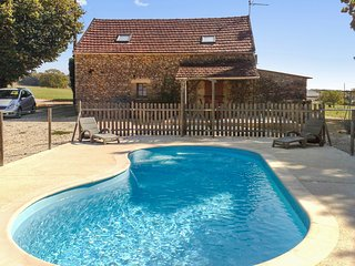 Traditional, 2-bedroom house in Proissans with swimming pool, large garden and furnished terrace. - Proissans vacation rentals