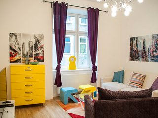 70 m² 2 Bedroom close to UN and Metro Station - Vienna vacation rentals