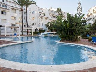 Stunning Modern Apartment in Elviria - Marbella vacation rentals