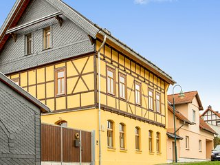 Two-bedroom apartment in a traditional family home with a perfect location in Erfurt, Germany - Erfurt vacation rentals