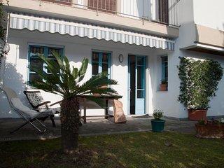 Cozy 2 bedroom House in Forte Dei Marmi - Forte Dei Marmi vacation rentals