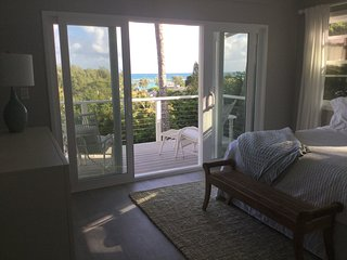 Gorgeous 1 BR Apartment Overlooking Kailua Beach - Kailua vacation rentals