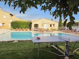 Maison Khéa – a traditional, 3-bedroom stone house with a furnished patio and swimming pool access! - Rustrel vacation rentals