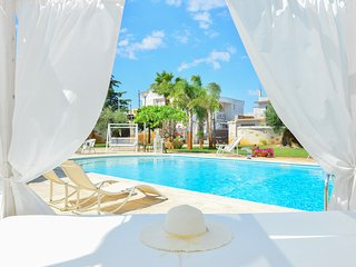 Pool and hydromassage - Warm welcome - Beaches at 20 minutes drive - San Michele Salentino vacation rentals