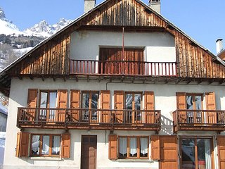 Chalet with 5 rooms in Vaujany, with wonderful mountain view, terrace and WiFi - Vaujany vacation rentals