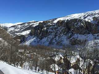 Adorable 4 bedroom Valloire Cabin with Television - Valloire vacation rentals