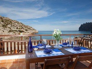 B18MLL SEA FRONT ACCOMMODATION - Cala San Vincente vacation rentals