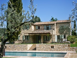 Well-appointed villa with a swimming pool on 4 peaceful hectares surrounded by a river and forest. - Mollans sur Ouveze vacation rentals