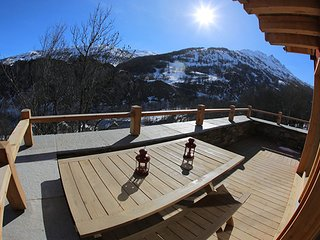 Bright 5 bedroom Cabin in Valloire with Television - Valloire vacation rentals