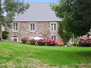 3-bedroom house in the Normandy countryside with a verdant garden and furnished terrace – sleeps 6! - - Bretteville vacation rentals