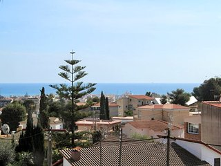 Sizable 4-bedroom house in sunny Segur de Calafell with a garden area and gorgeous sea views! - Segur de Calafell vacation rentals