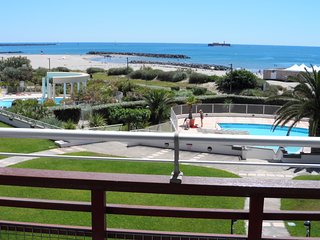 Comfortable, 1-bedroom apartment with balcony and swimming pool access – 4m from the beach! - Cap-d'Agde vacation rentals