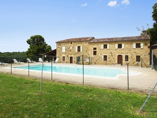 Cosy, 4-bedroom house in the Perigord region with a furnished terrace and a private swimming pool - Capdrot vacation rentals