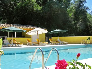 4-bedroom chateau and an independent studio in Cazouls-lès-Béziers with swimming pool access! - Cazouls-les-beziers vacation rentals
