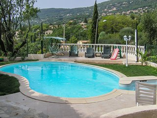 Stunning, 1-bedroom house in Peymeinade with a swimming pool and terrace – 15km from Cannes! - Peymeinade vacation rentals