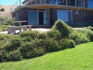 2 bedroom Condo with A/C in Carrickalinga - Carrickalinga vacation rentals