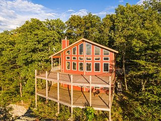 Stone Ledge Cabin, Lookout Mountain the western bluff, view, two sunset decks - Chattanooga vacation rentals