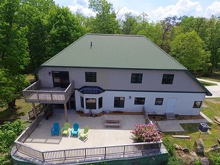Cloud 9, spacious, relaxing, sleeps 10 on the bluff of Lookout Mountain, view - Chattanooga vacation rentals