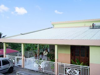 Cosy, 2-bedroom house on Martinique with a furnished terrace and sea views! - Le Robert vacation rentals