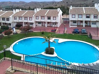 Luxurious, 3-bedroom house on a golf course in Monforte del Cid with a swimming pool and WiFi! - Monforte del Cid vacation rentals