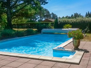 Beautiful, 2-bedroom house in the Landes with swimming pool access and a furnished garden! - Moliets et Maa vacation rentals