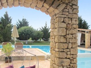 Delos House – a traditional, 3-bedroom stone house with two terraces and swimming pool access! - Rustrel vacation rentals