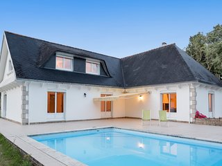 Well-appointed, 5-bedroom villa with a swimming pool and WiFi in Concarneau – just 4km from the sea! - Concarneau vacation rentals