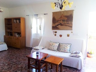 Comfortable 1-bedroom house in Andalusia featuring furnished garden - 15 km to the beach! - Medina-Sidonia vacation rentals