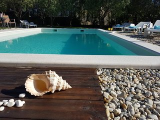 Beatiful, spacious villa, private pool, large garden, sea view, 4 bedrooms, WIFI -10' from Split! - Solin vacation rentals