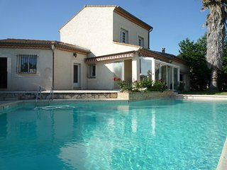 Comfortable house with swimming pool - Milhaud vacation rentals