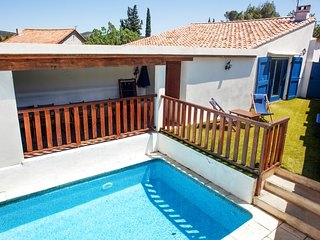 4-bedroom, 20th-Century Mediterranean house with a pool and two gardens – 30 minutes from the sea! - Cascastel-des-Corbieres vacation rentals
