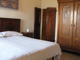 """Casa Vacanze """"Il rifugio del Randagio"""" - Fontecorniale vacation rentals"""