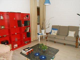 Cozy 3 bedroom Apartment in Gela - Gela vacation rentals