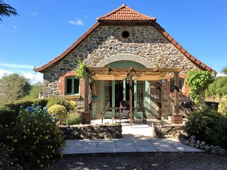 Barn Coversion with 2 separate gites Le Coin Perdu - Junhac vacation rentals