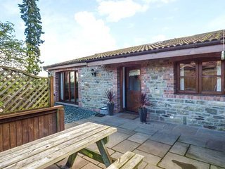 THE OLD DAIRY 2, ground floor barn conversion, pet-friendly, WiFi, Mitcheldean - Mitcheldean vacation rentals