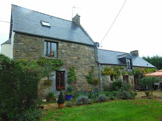 Stunning Stone Family House between Country & Sea - Jugon-les-Lacs vacation rentals