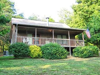 Nice Chalet with Internet Access and Fireplace - Pigeon Forge vacation rentals