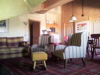 Les Arcs 1950 Ski-in ski-out - spacious, views, fireplace, pool, gym (sleeps 4) - Les Arcs vacation rentals